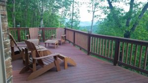 Beautiful Mountain Views Home Convenient To Nearby Attractions And Shopping.