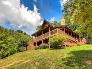Enjoy The Peaceful, Private, Quiet Setting Of Smoky Mountain Splendor, Free Wifi