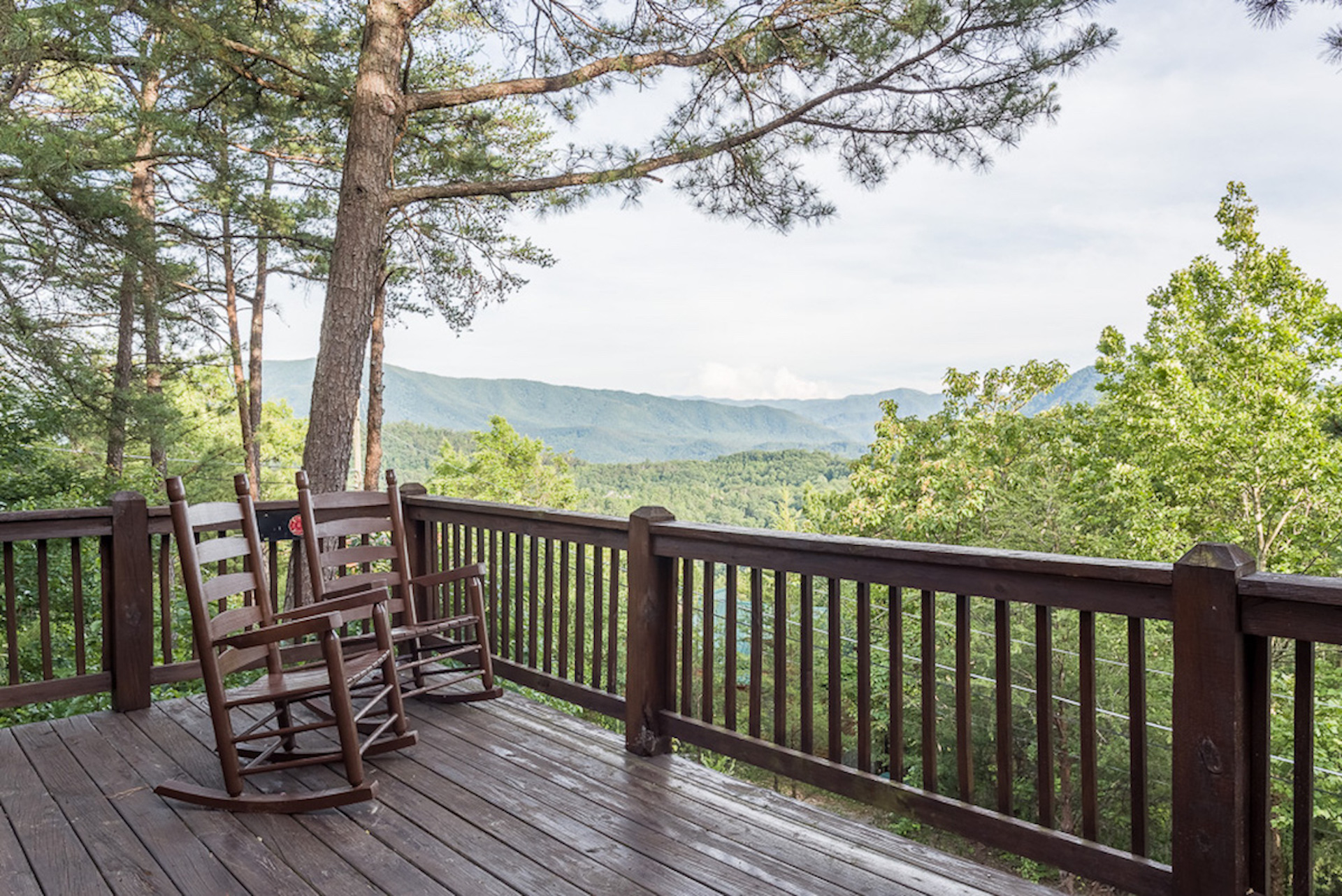 Wears valley cabin rentals near pigeon forge smoky for Private cabin rentals in tennessee