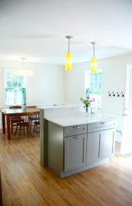 Outstanding kitchen space, dining room, and outdoor area ready for your holiday!