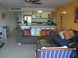 Garden Delight Three-bedroom condo – E125 (1024)