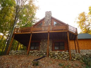 Beautiful Full Log Home in Hawks Eye – Minutes to Shanty Creek