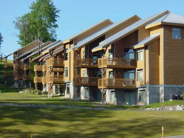 Slopeside condo in Cedar River (1)