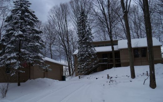 Great House in secluded area (1)