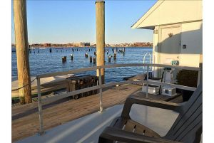 Houseboat Taurus: Your Home on the Water Right in Downtown!